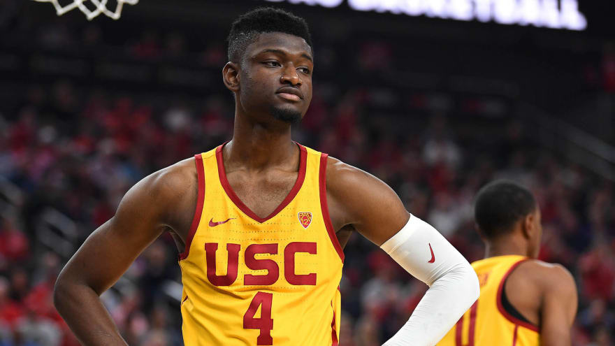 half off 65122 d6b13 Spurs, Chimezie Metu agree to three-year deal | Yardbarker