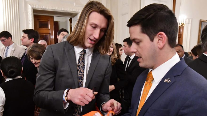 Clemson player thought White House serving fast food 'was a joke'