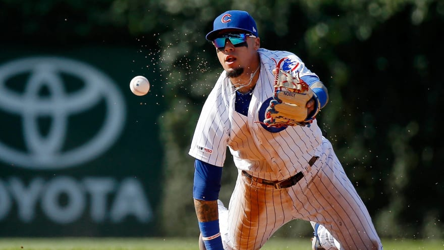 Watch: Cubs' Javier Baez makes insane dive for game-ending double play