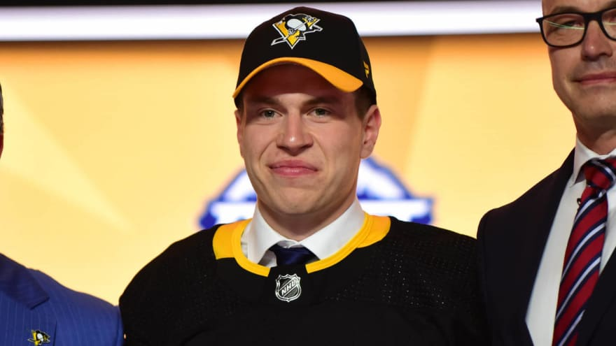Penguins sign first-round pick Sam Poulin to three-year, entry-level deal