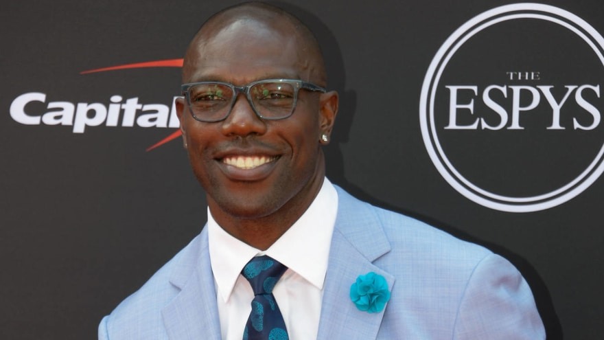 Terrell Owens will receive HOF ring at Raiders-49ers game