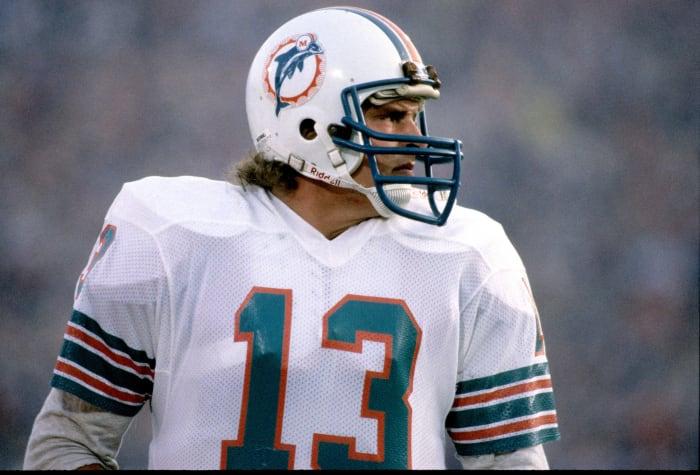 Super Bowl XIX: Joe Montana, San Francisco 49ers, and Dan Marino, Miami Dolphins