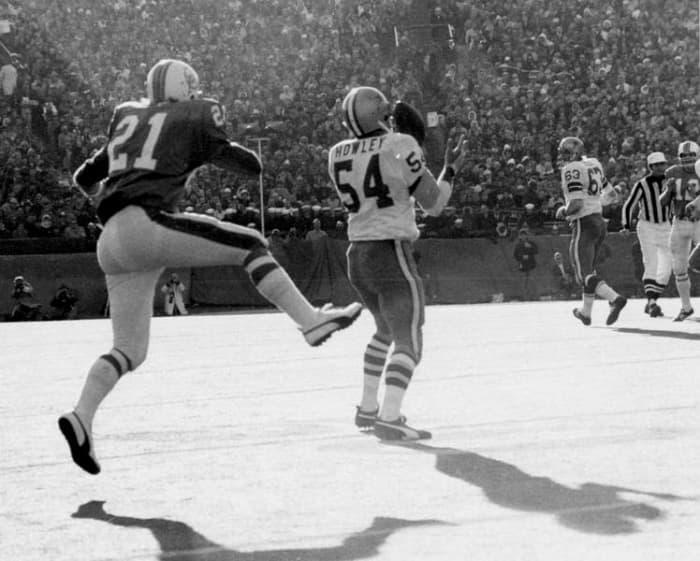 Chuck Howley, LB, Dallas Cowboys - Super Bowl V