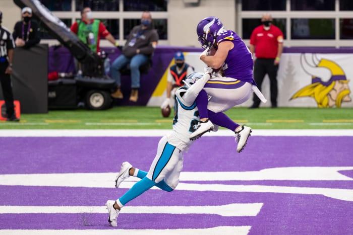 Backup WRs help Vikings keep playoff hopes alive