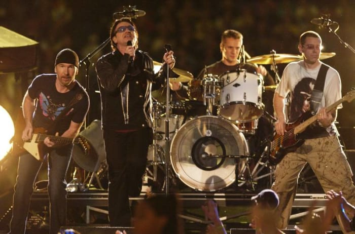Super Bowl XXXVI halftime show - U2